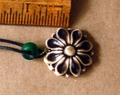 Vintage Handmade Daisy Necklace - Hippie style Brown Flower Bead