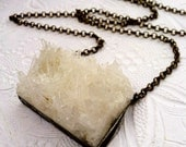 Raw Quartz Cluster Necklace,Quartz Stone Pendant,Large Crystal Necklace,Statement Necklace, Crystal Jewelry, Bohemian Necklace, Zen Jewelry