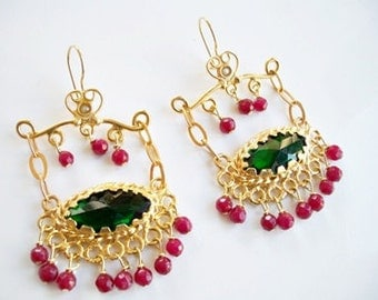 Green zircon and coral earring