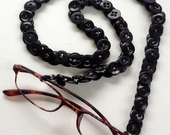 Eyeglass Chain in Vintage Buttons in Basic Black