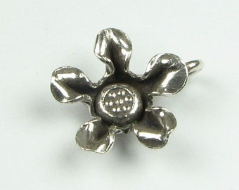 Pointed Petals Flower Hill Tribe Fine Silver .999 Charm Pendant with Stamped Daisy Design Center (1 piece)