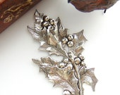SILVER Holly Berries and Leaves Stamping - Jewelry Ornament Antique Silver Findings (FB-6104) #