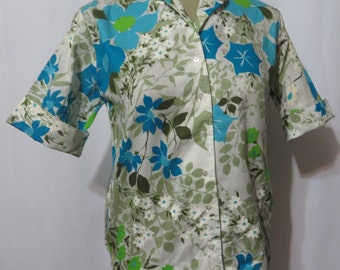 Vintage 1950s Blouse Dead Stock Floral MCM Great Colorway Button Front with Labels Rockabilly VLV Cotton 1950s