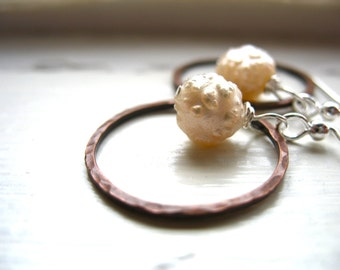 Pearl Earrings, Metalwork Hoop earrings, Pearl Hammered Copper Hoop Dangle Drop Earrings