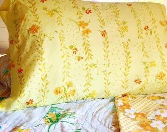 Vintage orange yellow pillowcase set