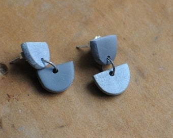 Half Moon Drop earrings in Grey