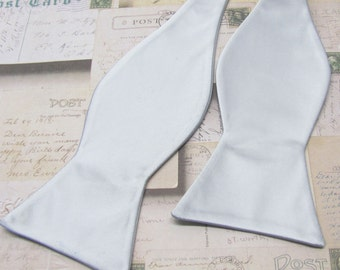 Mens Bowtie. Freestyle Silver Bowties. Silver Gray Self Tie Bowtie With Matching Pocket Square Option