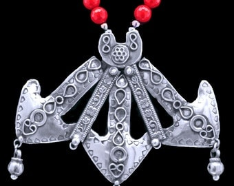 "Fascinating Sterling Tibetan  'Arrows"" & Red Coral"