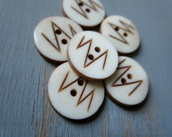 white brown bone Buttons carved leaf flat round buttons exotic organic  tribal ethnic buttons craft supplies   - 15  mm / 6 pcs - 4bbu9