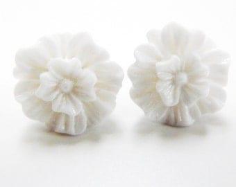 White Rose Earings Snow White Flat Roses White Ear Posts Silver Tone Earstuds Studs Flat Rose Flower Earrings