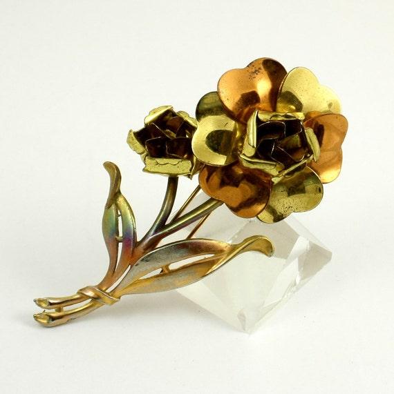 Vintage Mid Century Large Metal Flower Fur Clip, Gold Tone