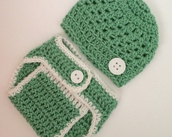 Newborn beanie with matching diaper cover.. Ready to ship.. Photography Prop