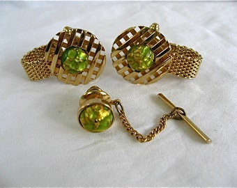 Vintage Gold and Green Wrap Around Cufflinks