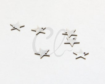 20pcs Antique Brass Plated Brass Base Star Charm - 7mm (2030C-U-278)