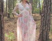 50% OFF 70s Floral Bohemian Romantic Lace Maxi Dress // Size Medium