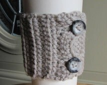 Crocheted take out cup cozy travel mug cozy button wrap in buscuit