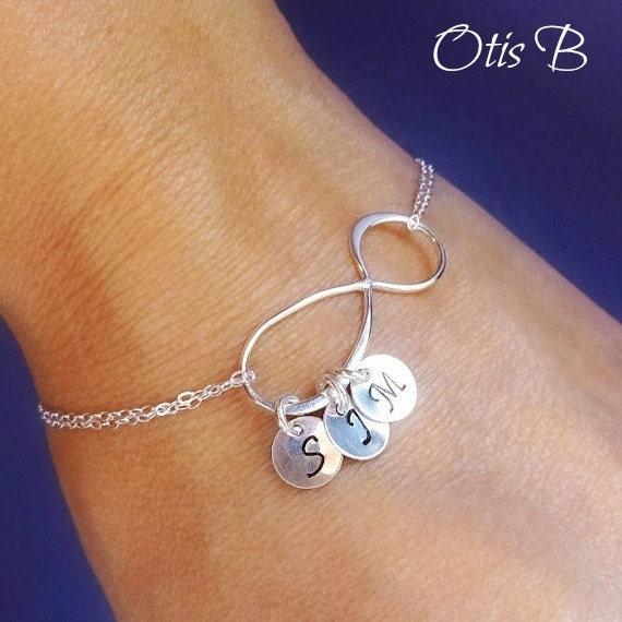 personalized infinity bracelet mothers bracelet. Black Bedroom Furniture Sets. Home Design Ideas