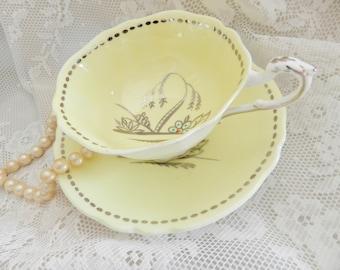Yellow Paragon Teacup, Paragon Teacup,  Art Deco Teacup, Yellow Tea Cup, Yellow Teacup,,   noA16