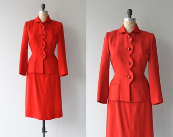 Lady Ammer suit | vintage 1940s suit • wool fitted 1940s suit by Gilbert
