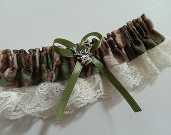 Reserved Listing for Kelsey Jephcote set garter