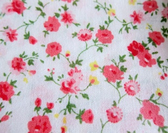 Watercolor Roses in Red - Floral Cotton Fabric - Large Fat Quarter
