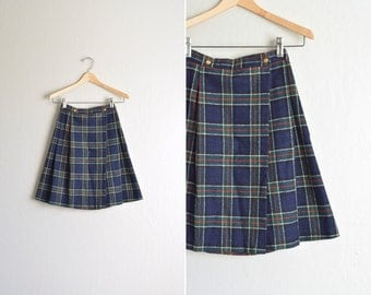 vintage '80s NAVY blue PLAID a-line PLEATED skirt. size youth 10 / women's xxs.