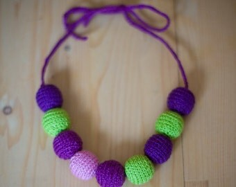 "Croched Necklace Wood Beads Knitted Girl Photoshop Props ""Violet autumn"""