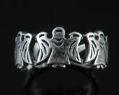 Size 8 Vintage Sterling Silver Angel Ring Band