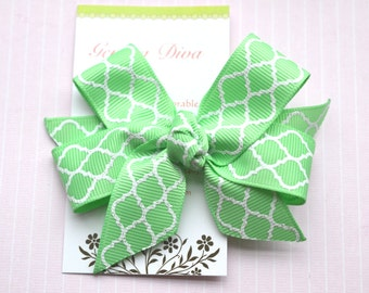 Mint Green with White Glitter Quatrefoil Classic Diva Bow
