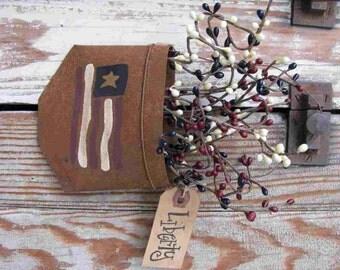 Primitive American Flag Rusty Hanging Pocket GCC4566