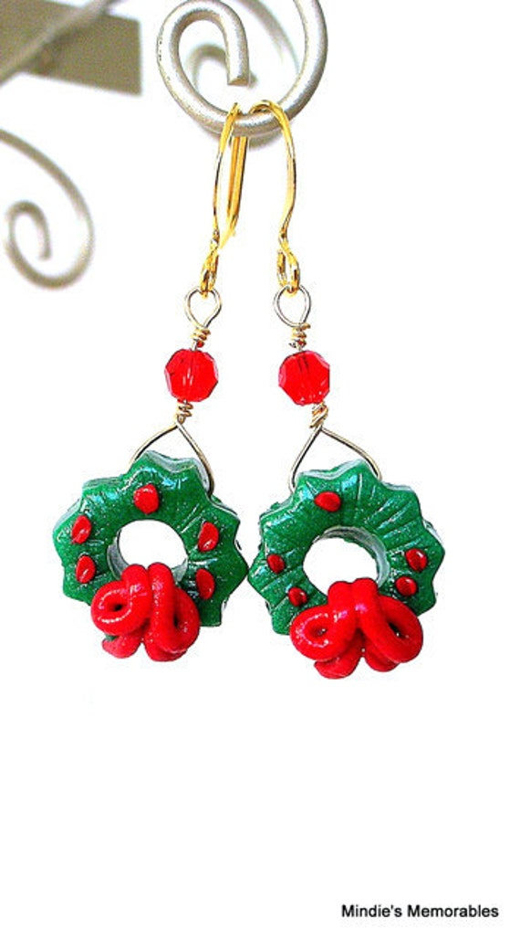 Christmas wreath earrings, red and green polymer clay earrings, festive wreaths