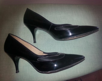 1960s Black Patent Air Step Stiletto with Corfam 8 1/2 B AA