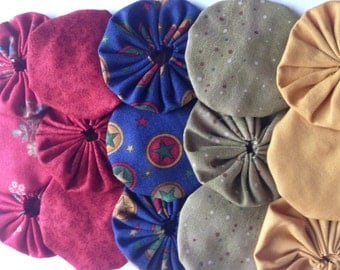15 Fabric Yoyo Pieces in primary school colors for scrapbooking, quilt, card Embellishment APPLIQUE GARLAND