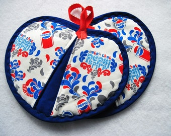 Hot pad  pot holder  set Pepsi Cola Heartshaped pot pincher Quiltsy handmade