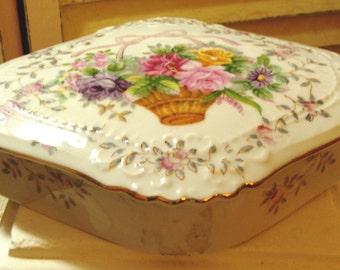 COTTAGE CHARM - Vintage Porcelain Lidded Box - Jewelry Box - Trinket Box - L&M - Pink Roses -1950 Era