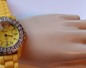 Sparkle Dazle  Silicon Yellow Band  Wrist Watch Working and  new battery installed On SaLe Now
