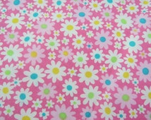 2520A - Small White Flower in Pink, Summer Tiny Flowers Fabric