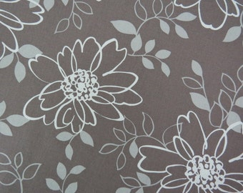 2521D - Large Flower and Leaf White in Dark Gray, Retro Big Flowers Fabric