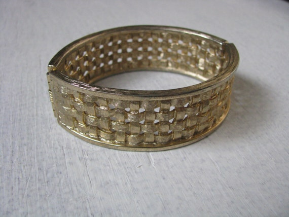 How To Basket Weave Bracelet : Oval gold tone vintage basket weave bracelet by sarah coventry