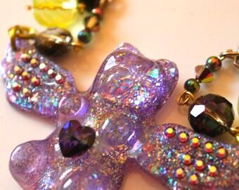 Gummy Bear Necklace, Gummy Bear Jewelr, Wing Necklace, Plastic Jewelry, Resin Jewelry, Wing Jewelry, Glitter Resin Pendant