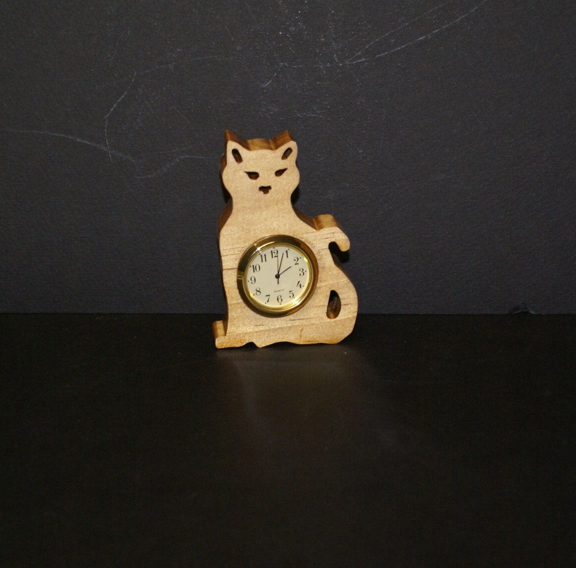 Kitty cat wood shelf sitter clock - Kitty cat clock ...