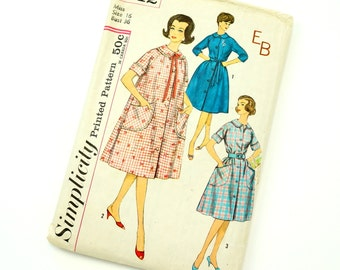 Misses Size 16 Robe Housecoat or Day Dress with Monogram Transfer Vintage 1960s Simplicity Sewing Pattern 3712 / bust 36 / Complete