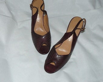 Vintage 1970s Beautiful Italian Leather Shoes Size 8 1/2 BRUNO MAGLI Maroon