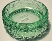 Vintage Avon Green Glass Soap Dish Trinket Dish Embossed Flower Leaf Design 1978