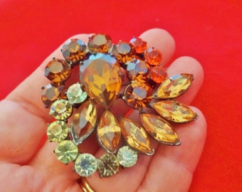 """Vintage 2.25"""" art deco silver tone brooch with brown and orange rhinestones in great condition"""