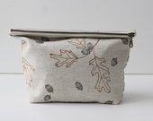 Traveler Pouch - Light Oak & Acorn
