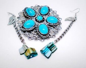 "Vintage Southwestern Turquoise Lucite Cabochons Medallion Pendant Necklace & 3 1/2"" Dangle Earrings Ethnic Tribal Set Retro Runway Statement"