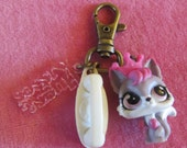 Littlest Pet Shop Kitty Queen Key Chain Back Pack Charm Zipper Pull
