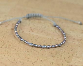 Grey tiny pearls bracelet