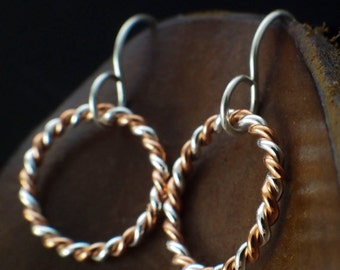 Twisted Elegance Singular Sterling Silver and Copper Earrings - 16mm Hoops